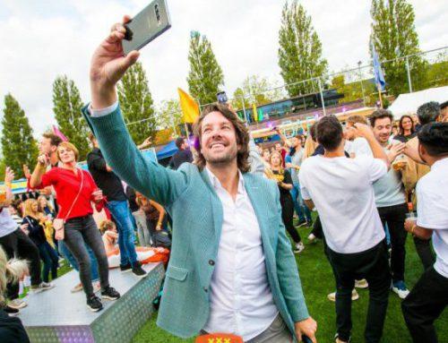 Presentator Halve Veldjes Cup in Amsterdam 2021